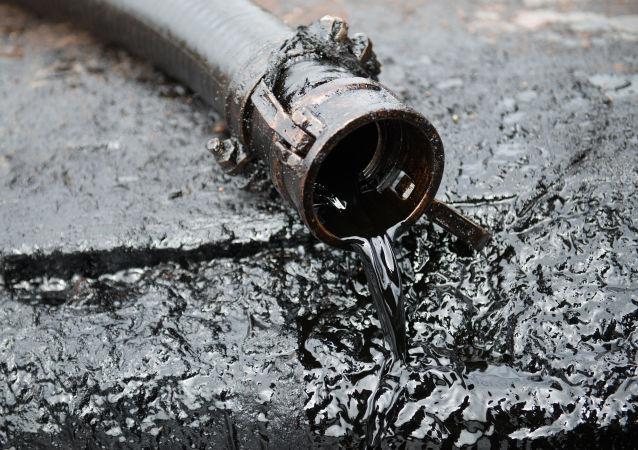 IMF將今明兩年的世界原油價格預期分別下調至每桶50.3和50.2美元