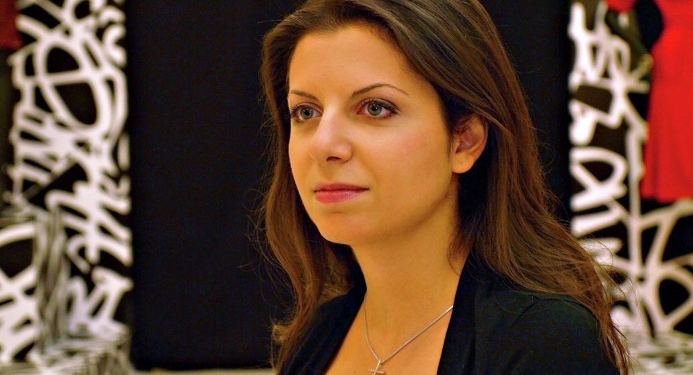 玛格丽特·西蒙尼扬评论了前美国驻俄大使将卫星通讯社和RT电视台注册为外国通讯社的相关提议