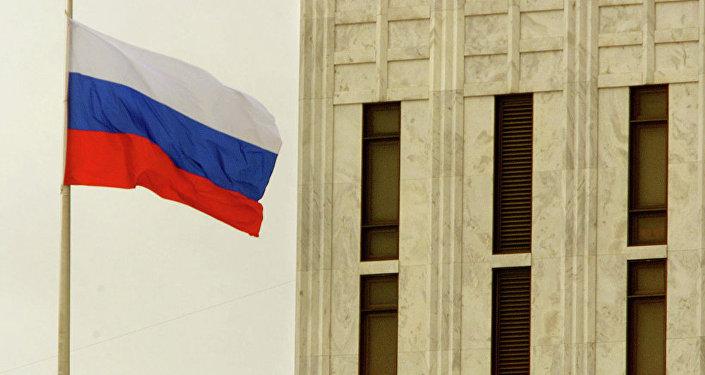 """俄使馆指责美国务院执行""""扩音器外交""""并一味迎合政界"""