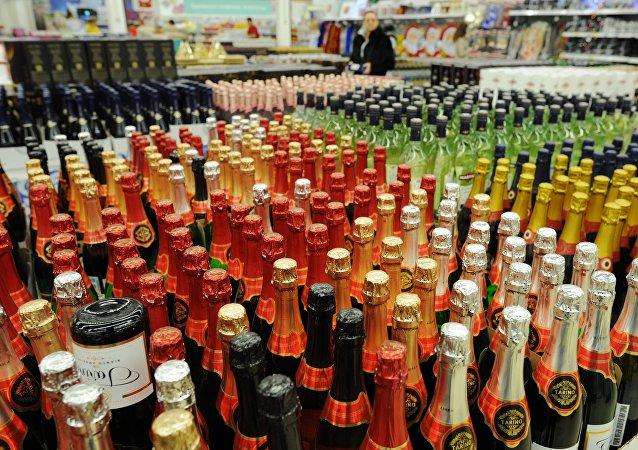 普京責成嚴格管控酒精類產品生產和流通規則