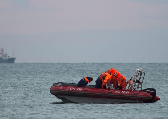 消息人士:俄干货船黑海沉没 7人失踪