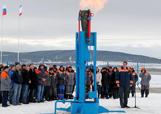 普京启动从俄罗斯内陆向克里米亚的供气