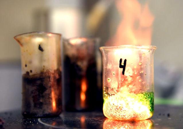 Самораспространяющийся высокотемпературный синтез в порошке оксида железа
