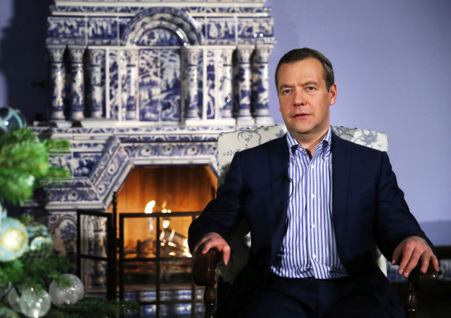 梅德韋傑夫祝賀俄羅斯人新年快樂