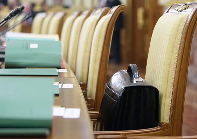 专家:俄还有12位地方行政长官或于近期离职
