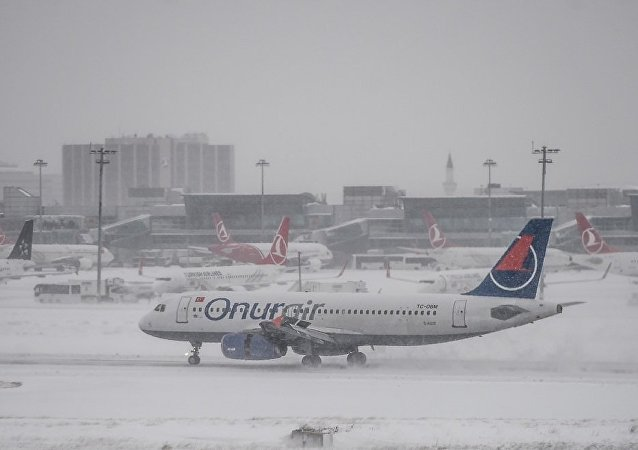 伊斯坦布爾機場470多架航班因降雪而取消