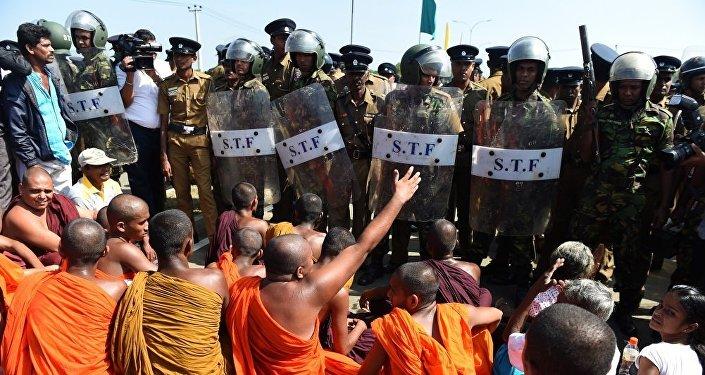 中国与斯里兰卡关系再次受到检验