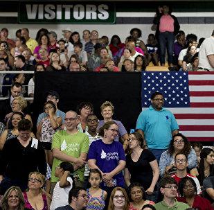 民调:83%的美国人对共产主义持负面态度