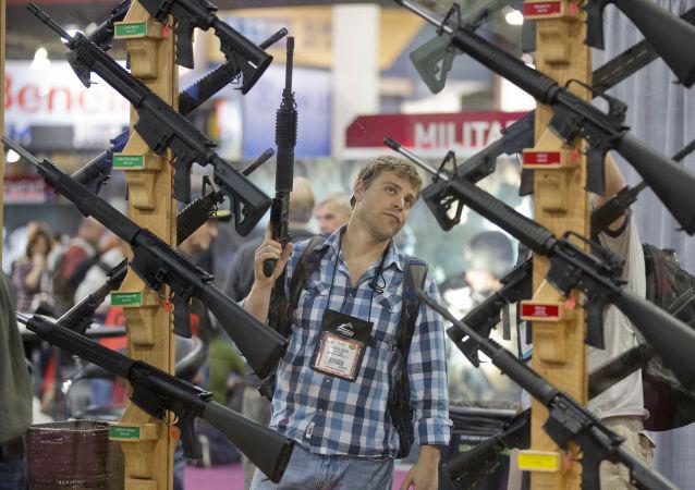 民調:近半數美國人擔心成為大規模槍擊事件的受害者