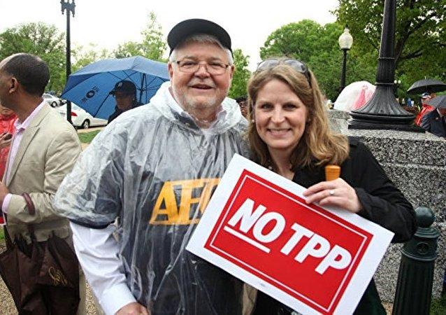俄議員:特朗普命運將取決於美國退出TPP決定效果