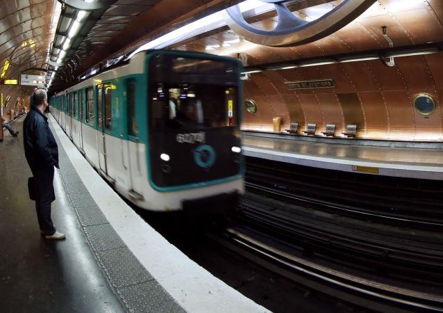 巴黎地铁站