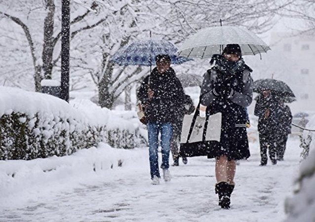 日本西北部遭遇創紀錄大雪侵襲