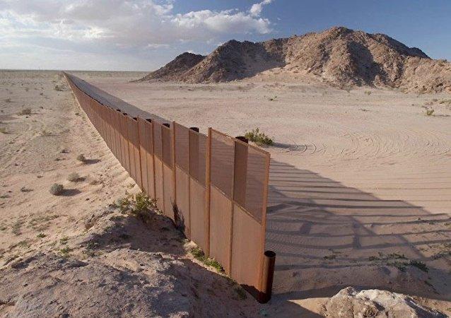 特朗普:与墨西哥的隔离墙已大部分建成