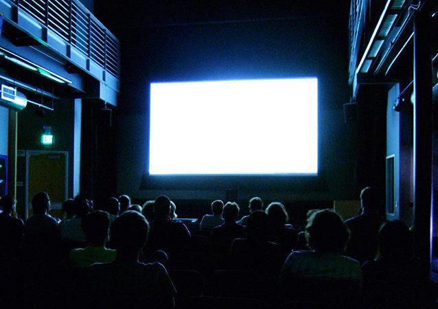 俄媒:中国电影市场票房收入创下纪录