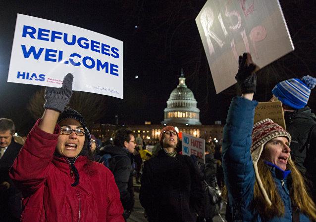 美国法院部分解除特朗普移民禁令