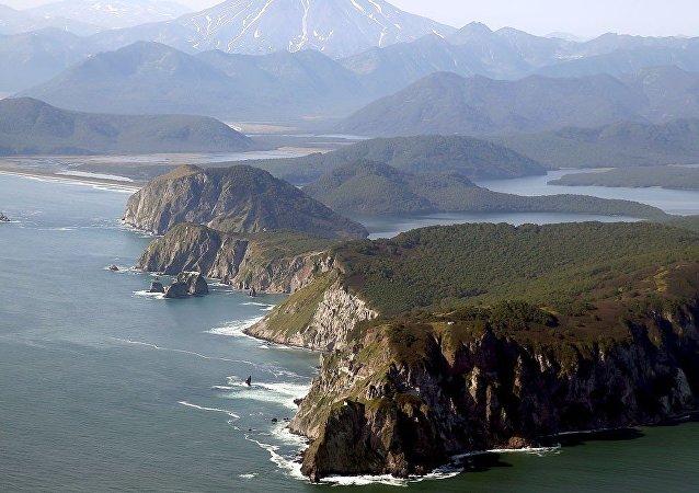 普京:俄罗斯愿与日本就解决争端问题展开合作