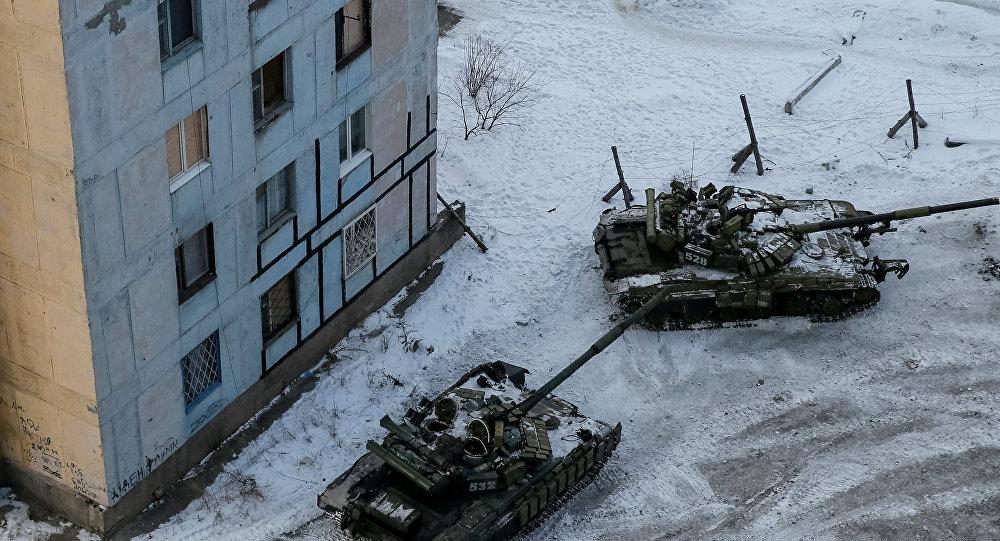 烏克蘭坦克開進阿弗捷夫卡鎮