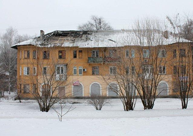 頓涅茨克近郊千餘戶人家因炮擊斷電