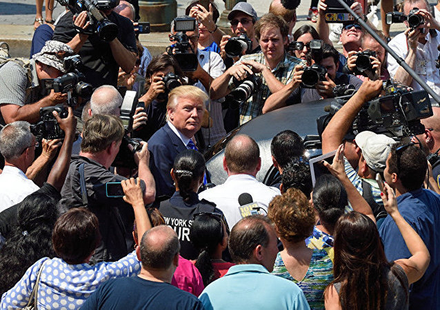 特朗普威胁记者可能因为金正恩的信而坐牢