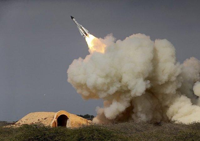 伊朗一年多以来首次进行弹道导弹试射