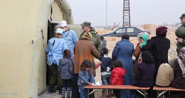 俄驻叙调解中心已开展人道行动699次 向当地居民发放救援物资1250吨