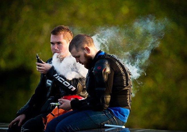 俄卫生部部长称有超过80%的人借助电子烟也无法戒烟