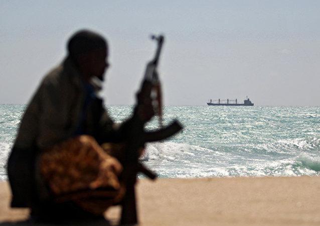 俄驻贝宁使馆:在非洲海岸劫持俄海员的海盗尚未提出任何要求