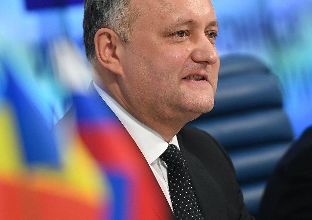 摩尔多瓦总统祝贺俄方并希望恢复对俄关系