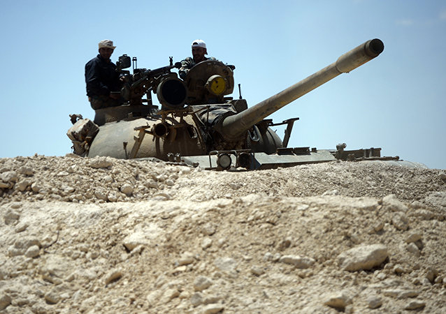 """叙军在恐袭中消灭了在代尔祖尔地区的""""达伊沙""""头目"""