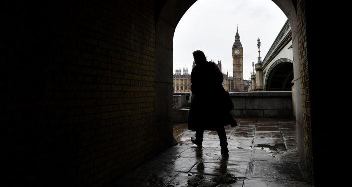 英國首相:普選照常6月8日舉行