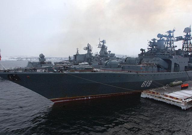 """北方舰队大型反潜舰""""北莫尔斯克""""号进入黑海"""