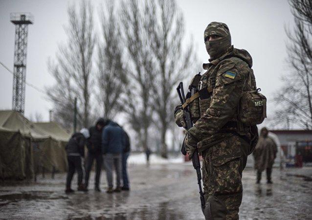 顿涅茨克人民共和国国防部:乌克兰强力人员一昼夜内74次破坏停火制度