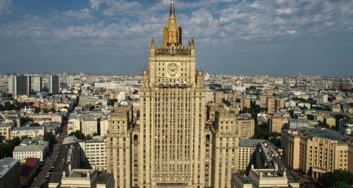 俄外交部:基辅实行战时状态为掩饰在顿巴斯挑衅计划