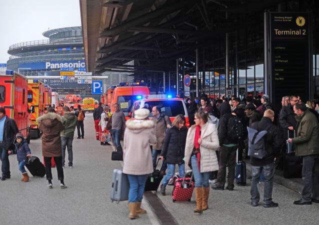 德國漢堡機場近70人受刺激性不明氣體影響感不適