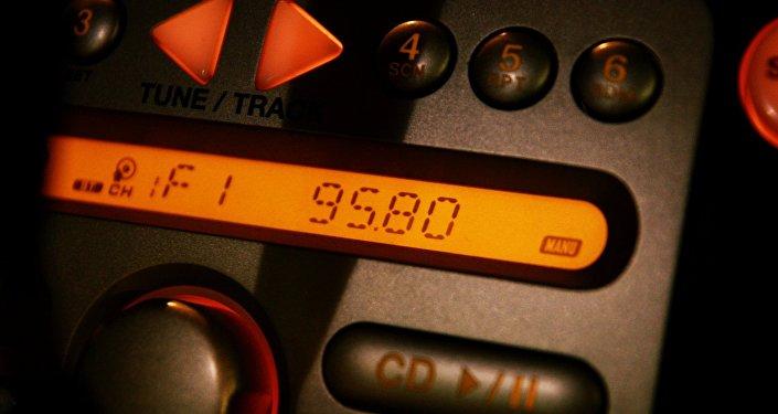 超過半數「衛星」中文網站讀者用收音機聽廣播