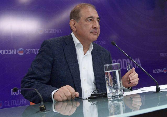 Представитель сирийской оппозиционной группы Москва – Каир, секретарь партии Народная воля, член руководства сирийского Фронта за перемены и освобождение Кадри Джамиль