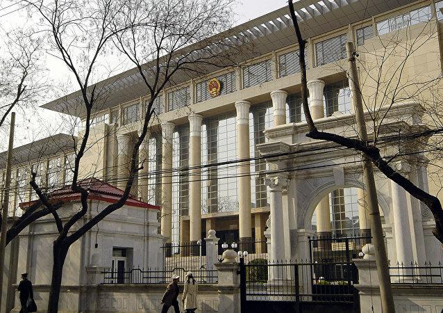 中国追逃办5年追回外逃人员近6000人 追回赃款超140亿