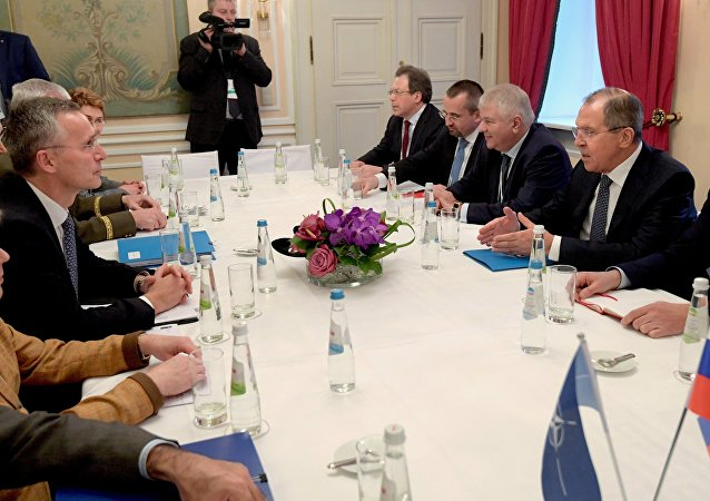 俄外長與北約秘書長探討俄羅斯與北約關係的前景