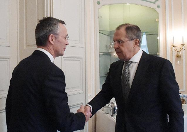 俄外長與北約秘書長