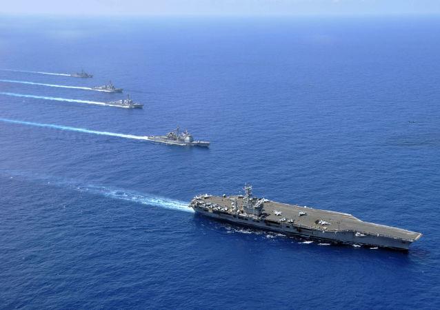 美國軍艦與韓國漁船相撞