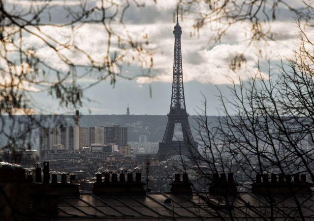 埃菲尔铁塔最近几年或变色