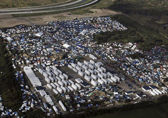 法國加來市政府禁止向難民分發食物