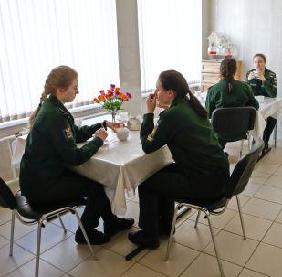 俄罗斯出卫生新规禁止学生带饭
