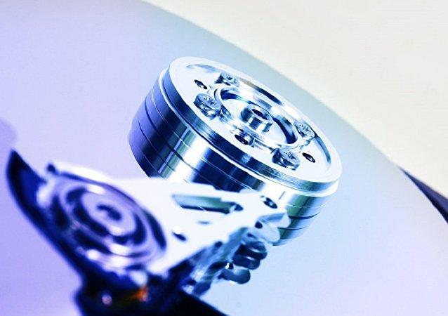 俄科學家正研制能將信息存儲數百年的電腦磁盤