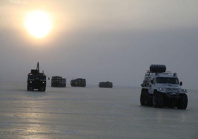 俄防长:北极存在爆发冲突的威胁