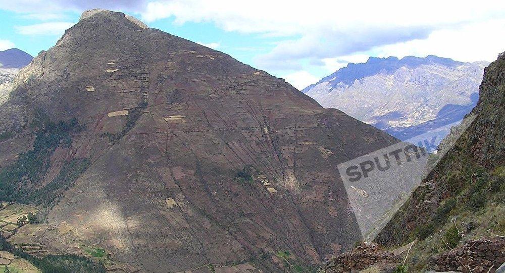 秘魯一大巴墜入懸崖造成9人死亡 近50人受傷