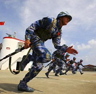 中国海军陆战队在太平洋舰队靶场举行反恐训练