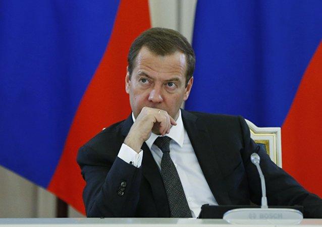 俄总理就制裁问题上政治优先于经济表示遗憾并称将回应