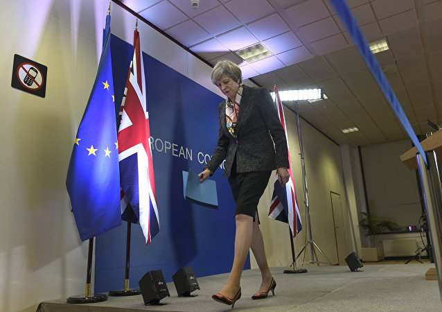 英國首相公開發文說明自己脫歐的主張是唯一現實的立場