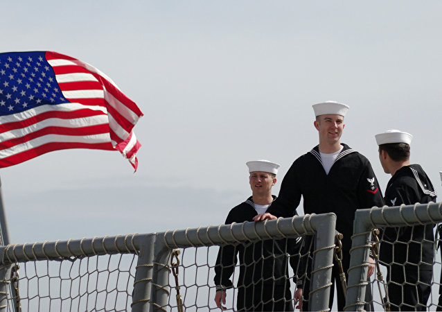 """美国""""麦克亨利堡垒""""号登陆舰进入黑海"""